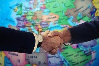handshake-4229703__340.jpg