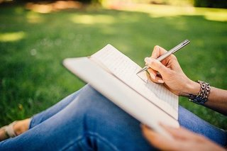 writing-923882__340.jpg